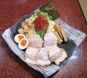 山勝麺三つけ麺